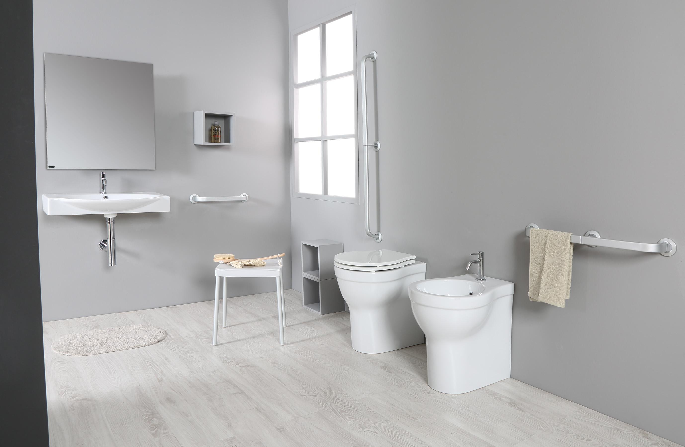 Sanitari e accessori per bagno a misura di anziano linea easylife